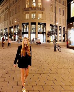Canon 24mm f/2.8: (Best Canon lens for night pictures/photo)