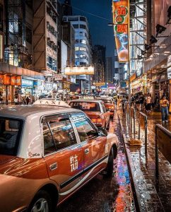 Canon 22mm f2: (Best Canon lens for night street photography)
