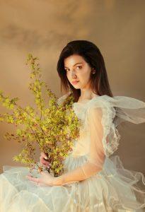 Canon 17-55mm f2.8: (Best lens for wedding photography Crop sensor)