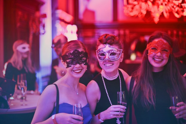 Best Lens for Night Club Photography