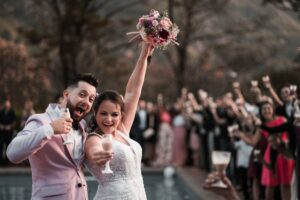 CANON 16-35 F2.8: (Best Wide angle lens for wedding photography Canon)