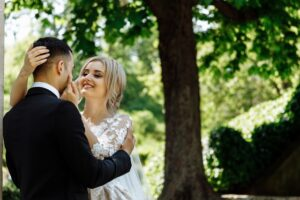 Sony 70-200mm F4: (Best Telephoto lens for wedding photography Sony)