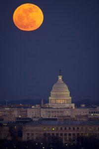 Nikon AF Nikkor 50mm f/1.8G: (Best Nikon lens for Night City photography)