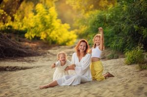 Sigma 35mm F1.4: (Best lens for lifestyle family photography)